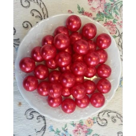 Perles d'huile de bain nacrées senteur FRAISE de couleur Rouge