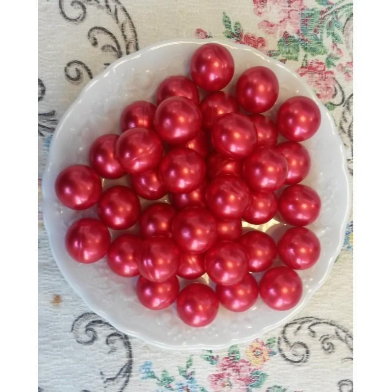 Perles d 39 huile de bain nacr es senteur fraise de couleur rouge - Couleur fraise ecrasee ...