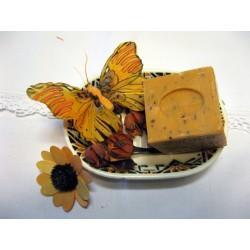 Savon de Marseille parfum Abricot avec noyaux broyés