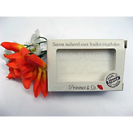 Savon de Marseille au lait d'ânesse emballage cartonné signé Provence & Co